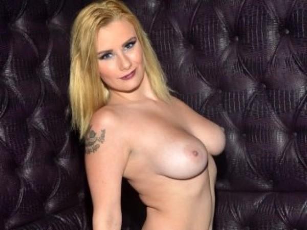 Blonde4Fun