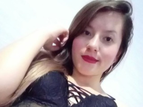 Sexy_LatinaXX