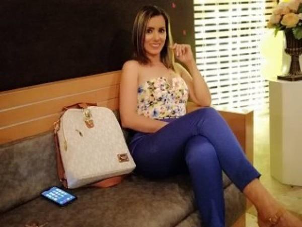blonde_latina18